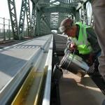 Ondergieten spoorrails met PAKOR-Gietmassa RE